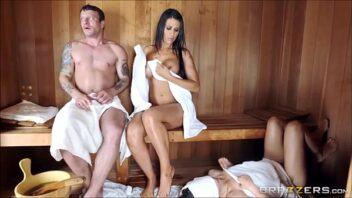 Sauna porno com gostosas metendo