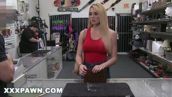 Melissa pitanga porno pagando boquete e fazendo sexo